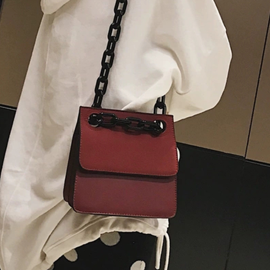Image 2 - Casual Acrylic Chains Lattice Shoulder Bag Women Handbags Crossbody Bags Lady Brands Small PU Leather Flap Bolsa Messenger Bags-in Shoulder Bags from Luggage & Bags