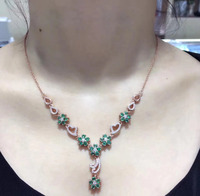 2017 New Qi Xuan_Colombian Green Stone Fashion Pendant Necklaces_Real Necklaces_Quality Guaranteed_Manufacturer Directly Sale