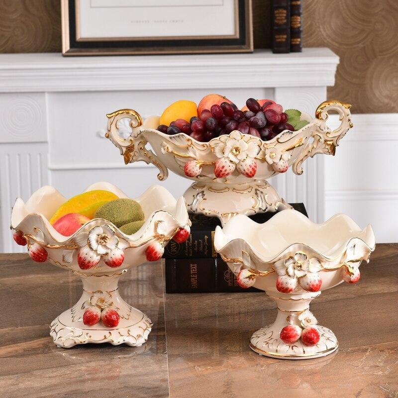 Fresa creativa Europa cerámica Plato de frutas Candy almacenamiento plato hogar Decoración de la boda bandeja estatuilla regalos