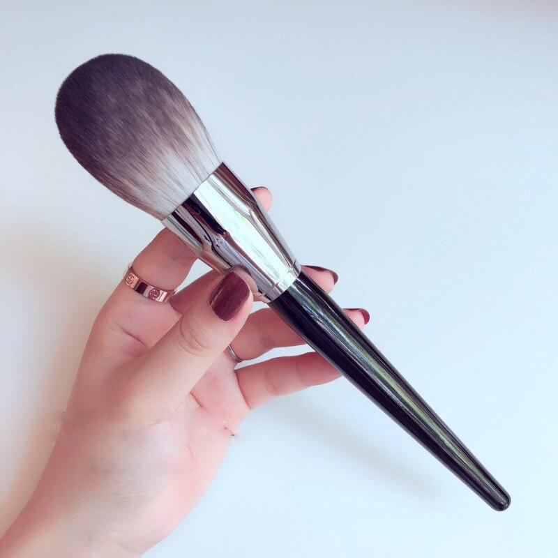 1pcs European retro Professional Big Size Flame Highlighter Powder Brush Pro Featherweight Soft Powder Makeup Brush