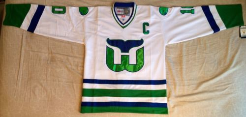 10 Ron Francis Hartford Whalers Throwback MEN S Hockey Jersey Embroidery  Stitched Customize any number and name-in Hockey Jerseys from Sports ... c9e9caeb4
