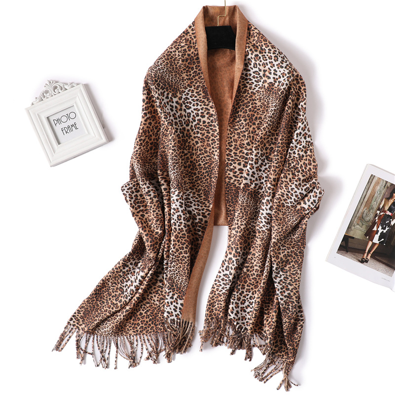 Wind Two-sided Imitate Cashmere Scarf Woman Winter Thickening Keep Warm Shawl Fashion Leopard Print Solid Color Two-tone