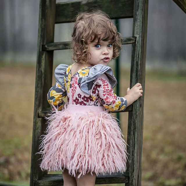 0ecf9728949ec الوليد الطفل بنات تنورة 2018 أزياء الخريف منتصف الخصر الدانتيل الأطفال  الفتيات تنورة فوق الركبة الكرة