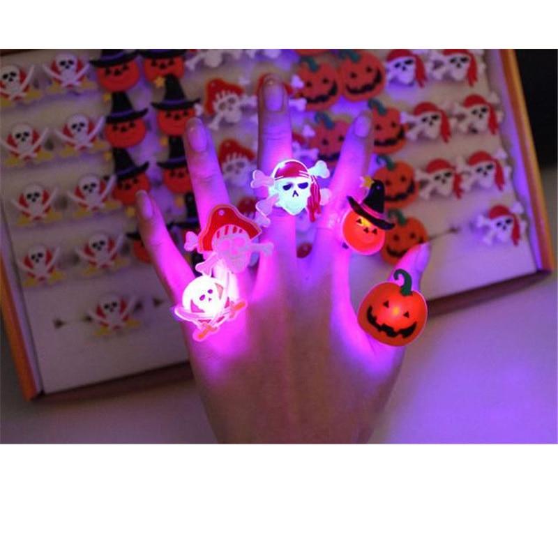 Suche Nach FlüGen Halloween Spielzeug 50 Teile/los Led Blinkt Weiche Finger Lichter Ringe Licht Für Party Urlaub Weihnachten Pfeife Party Decor Perfekte Verarbeitung
