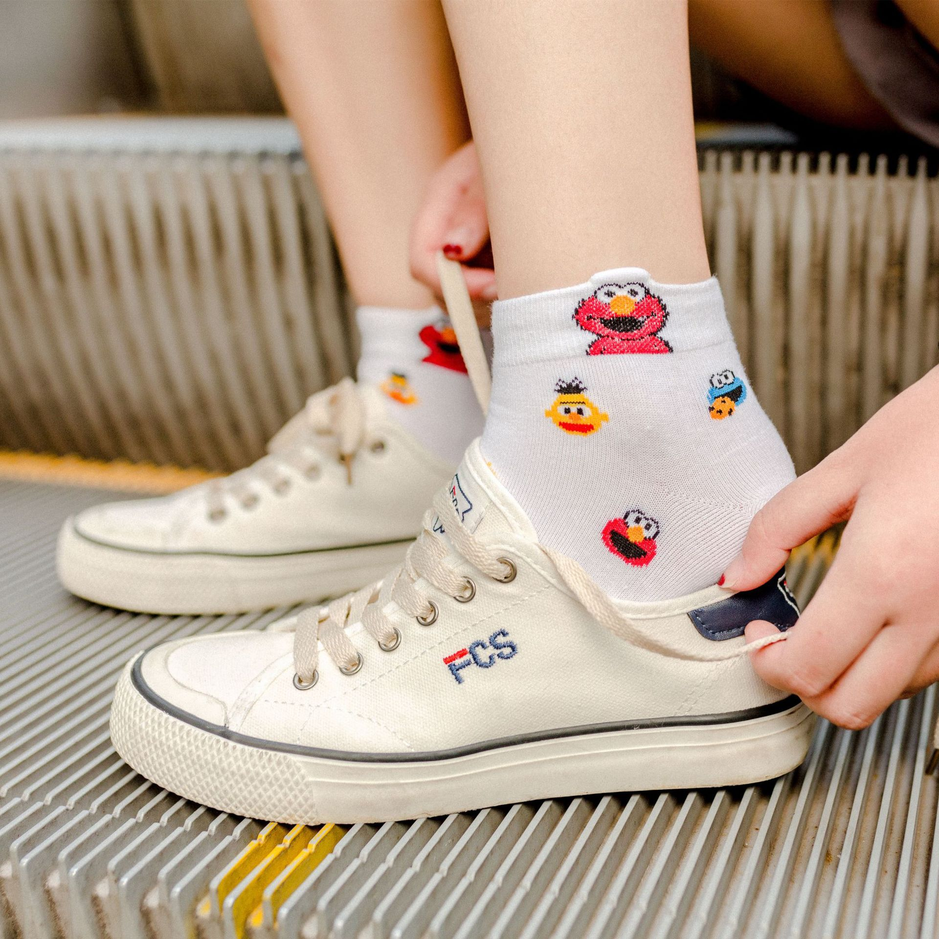 Cute Sesame Street   socks   Elmo Cookie Monster fashion novelty funny women   sock   autumn comfortable breathable white black   socks