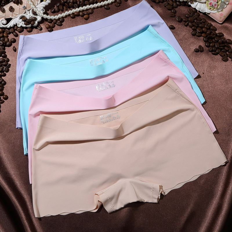 2018 New Arrival 4Pcs Sexy Seamless Women Briefs Underwear Ice Silk Comfortable Woman Panties Solid Color
