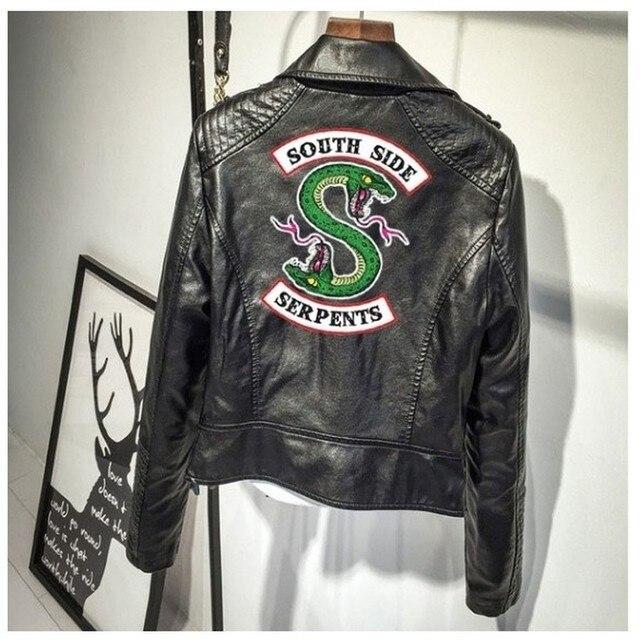 In Logo Southside Riverdale (Con Rắn Hồng/Da PU Đen Áo Khoác Nữ Riverdale (Con Rắn Dạo Phố Da Thương Hiệu Áo Khoác