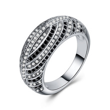 Huitan Fashion Luxury Wedding Ring Band Black&White CZ Stone Classic OL Stylish For Femme Origin Factory Selling