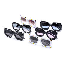 2019 Luxury Imitation Diamond Square Sunglasses Womens Brand Personality Design Ladies New Gradient Mirror Shade