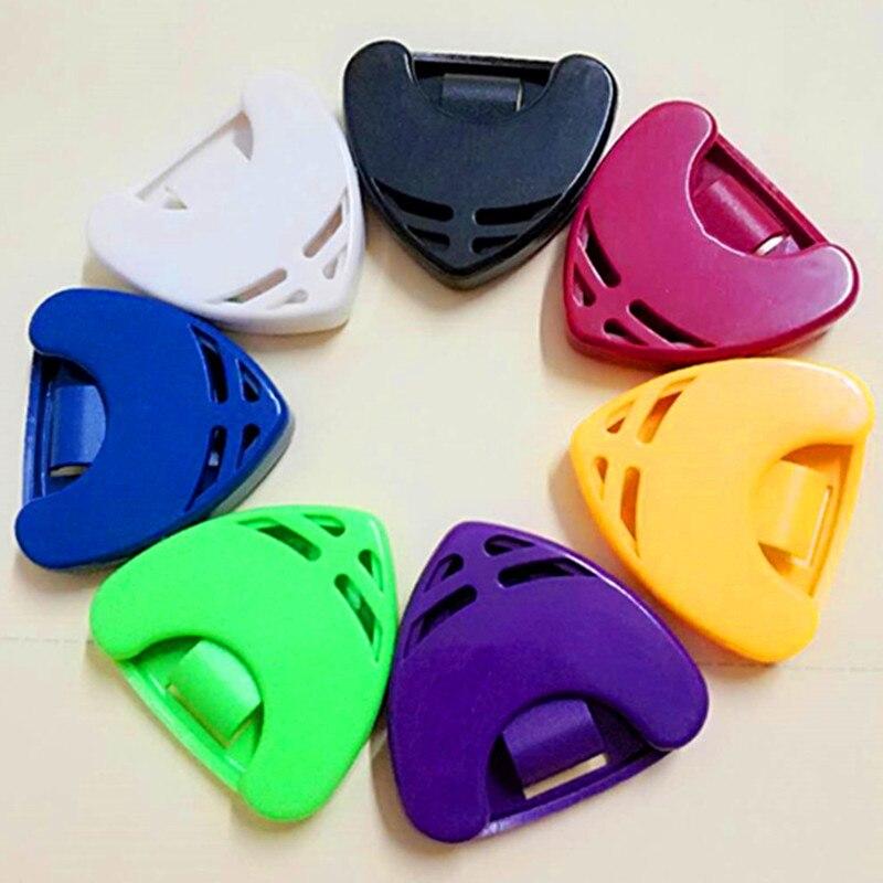 3 piece Portable Guitar Pick Holder Case Triangle Shape Color Random Guitar Accessories