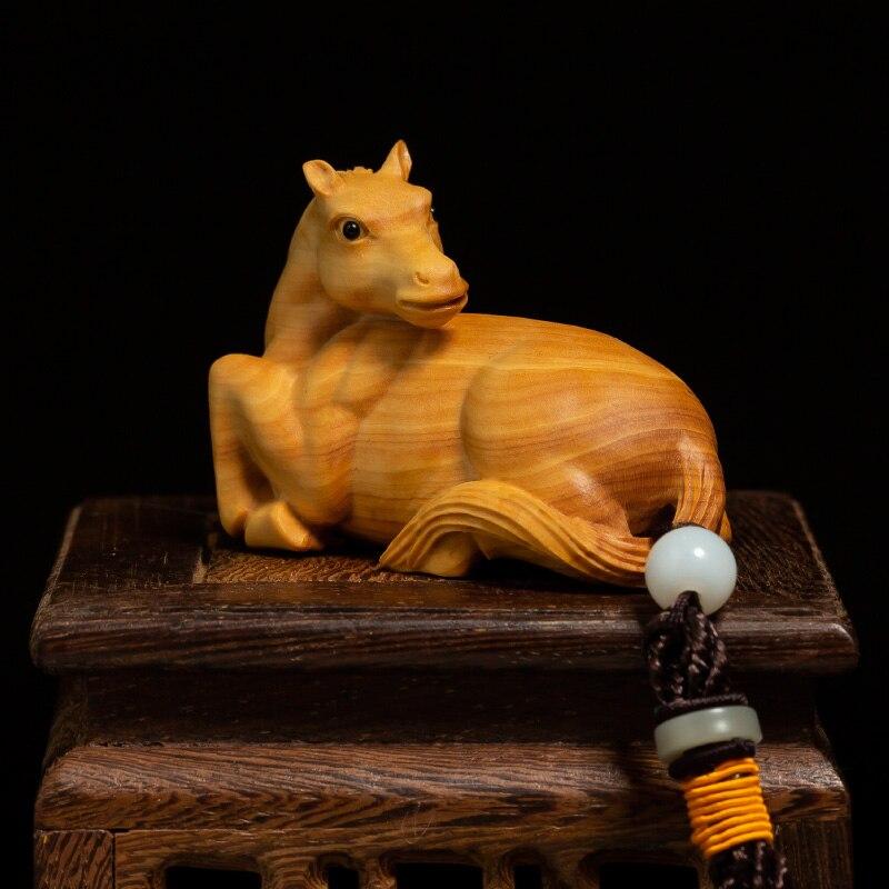 Zodiaque cheval main jouets avec corde, animaux créatifs sculpture artisanat maison Feng Shui bois sculpture ornements solide bois pendentifs