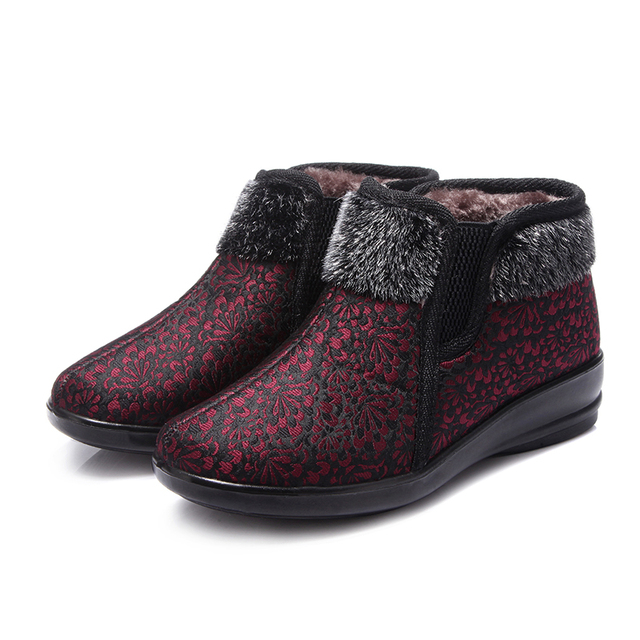 Winter new women's shoes, non-slip comfort warm mother cotton shoes, the middle-aged plus velvet leisure large size flat shoes