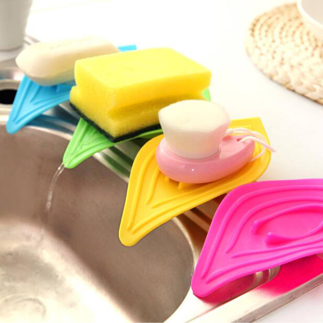 1pc Non Slip Leaf Shaped Soap Box Holder Drain Clean Soap