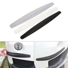 2 adet karbon Fiber tarzı ön ve arka tampon koruyucu köşe koruma Scratch Sticker siyah beyaz gri koruma Sticker
