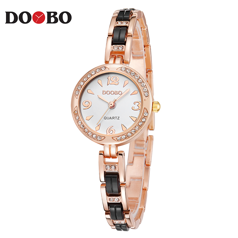 DOOBO Luxury Mode Kvinnor Klockor Quartz Klocka Armband Armbandsur - Damklockor