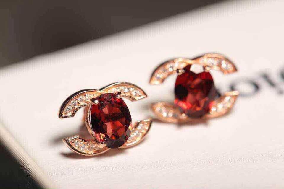 natural red garnet stone stud Earrings Natural gemstone stud earrings 925 sterling silver Personality cute elegant women party