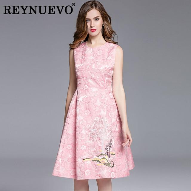 f66329bb266 Sweet Fairy Dresses Uk Style Slim Sleeveless Green   Pink Jacquard  Beautiful 2018 Summer Fashion Embroidery High-end Dress