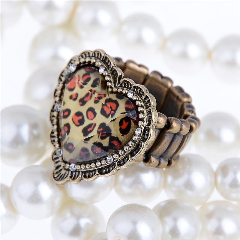New Arrival Rings 1pc Love Heart Shaped Leopard Ring Fashion Women Party Decorations Unisex Daily Family Finger Jewelry Ringen
