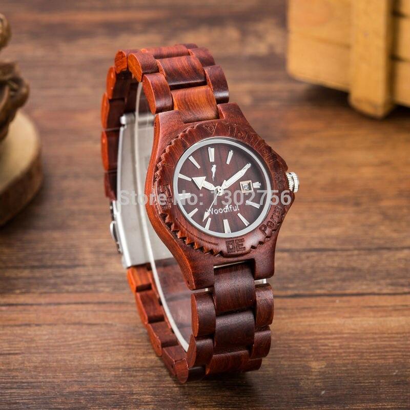 New Women 's Fashion Wooden Band Analog Quartz Round Wristwatch Red Sandalwood Watch Wood Watches l 10 women s stylish petals style bracelet quartz analog wristwatch golden white 1 x lr626