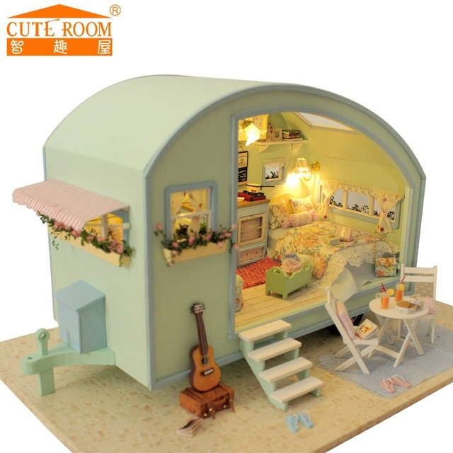 mini wooden doll house with furnitures assembling diy house dolls