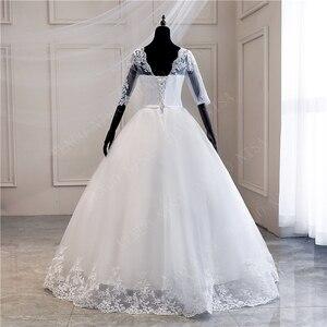 Image 2 - Женское свадебное платье с длинным шлейфом, кружевное бальное платье с аппликацией и V образным вырезом, с коротким рукавом, винтажное платье принцессы для невесты