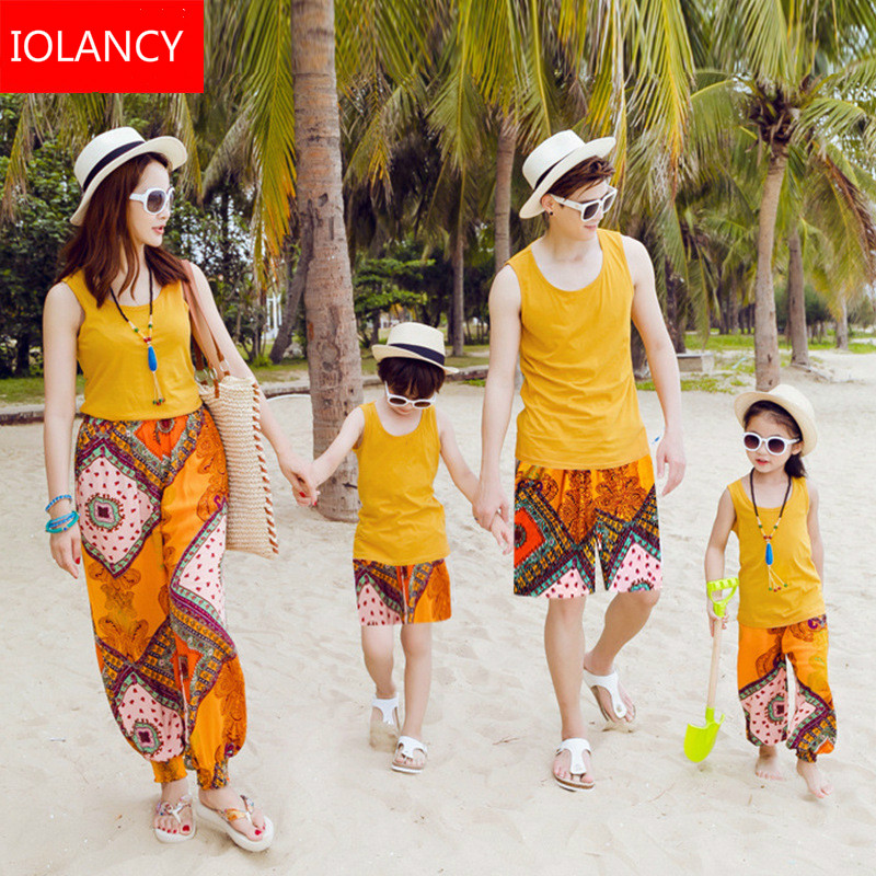Mother Daughter Outfits 2018 Bohemian Style Beach Dress T-shirts+Shorts Family Look Outfits Family Matching Clothing Sets CC744Mother Daughter Outfits 2018 Bohemian Style Beach Dress T-shirts+Shorts Family Look Outfits Family Matching Clothing Sets CC744