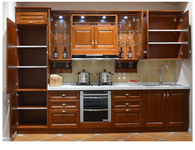 Kleine keuken aangepaste solid keukenkasten in kleine keuken