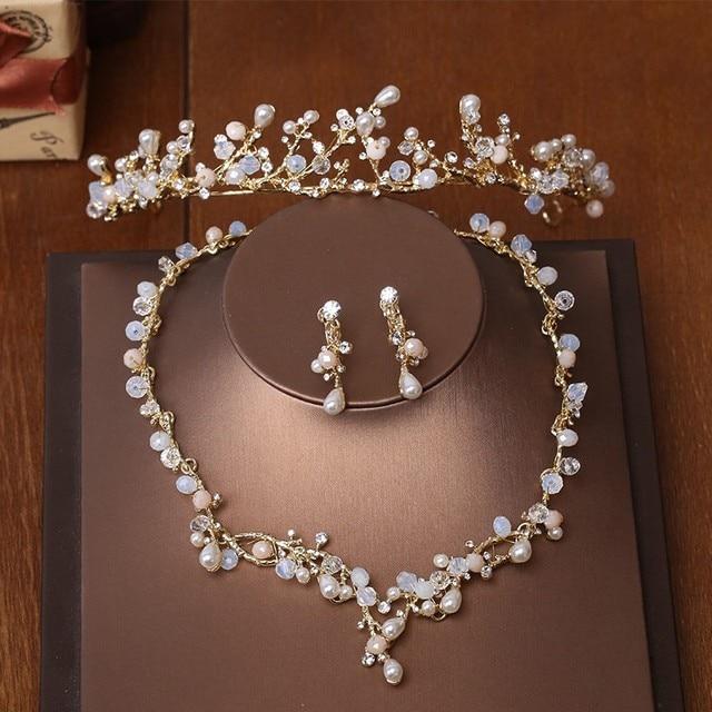Jonnafe Ramo de Ouro Pérolas Tiara Colar Brincos Conjunto De Jóias de Casamento  Artesanais Acessórios De dea5daf67d