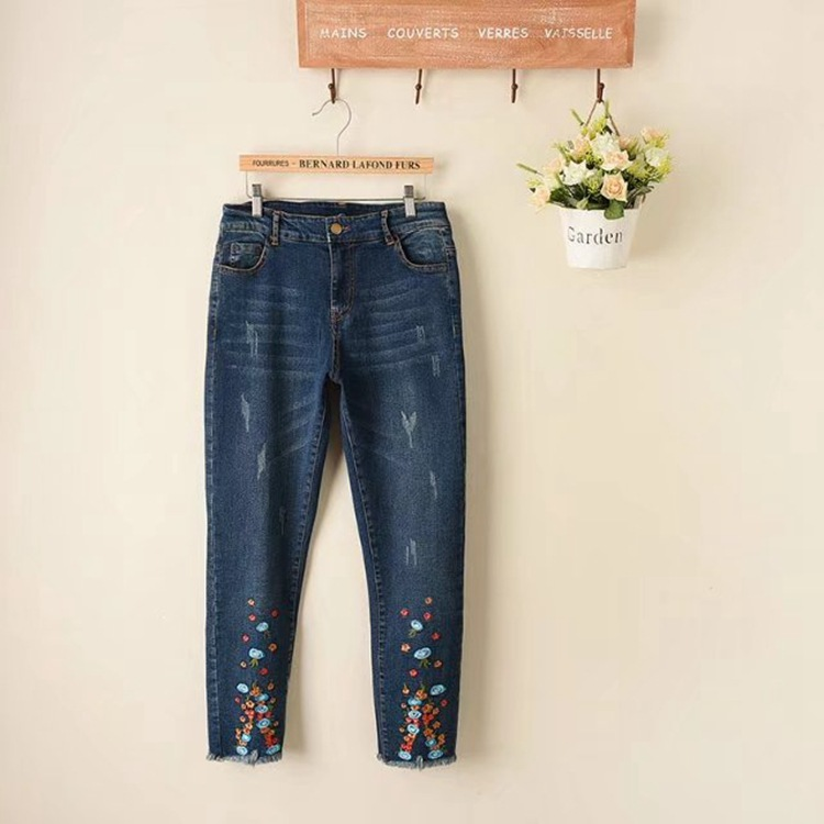 2018 National style women spring summer autumn fashion ethnic embroidery <font><b>jeans</b></font> flowers embroider denim pants plus size