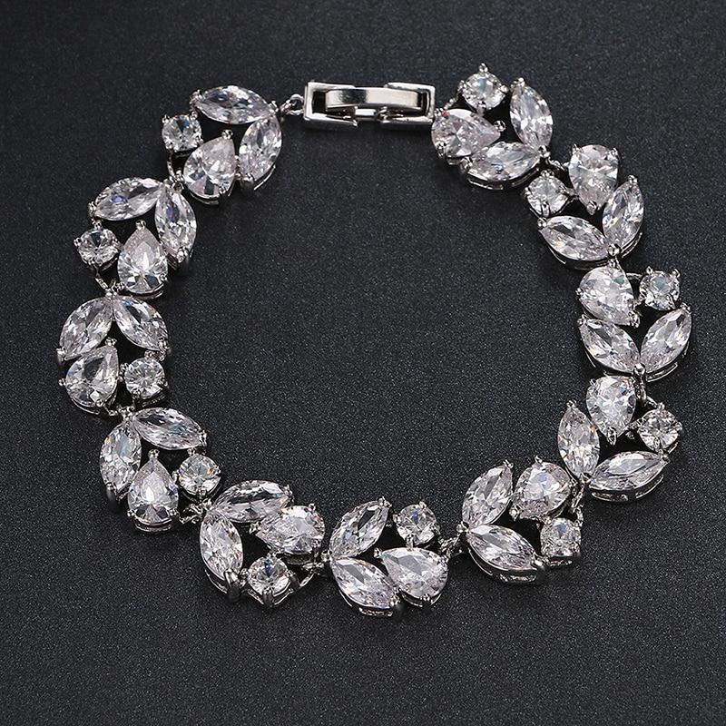 Emmaya Luxury Vit / Guld Färg Armband för kvinnor Dam Shining AAA Cubic Zircon Crystal Födelsedagsmycken Presentparti Bröllop