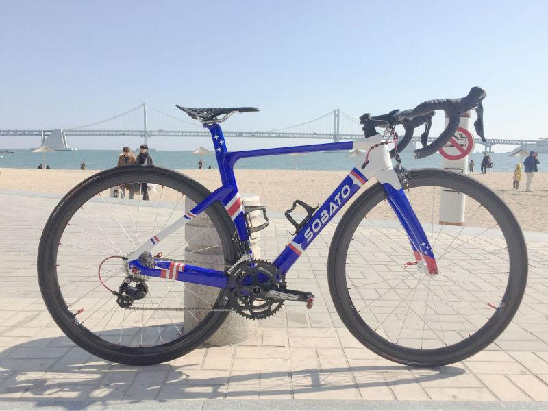 Precio competir full carbon bicicleta de carretera marco de la bicicleta al por