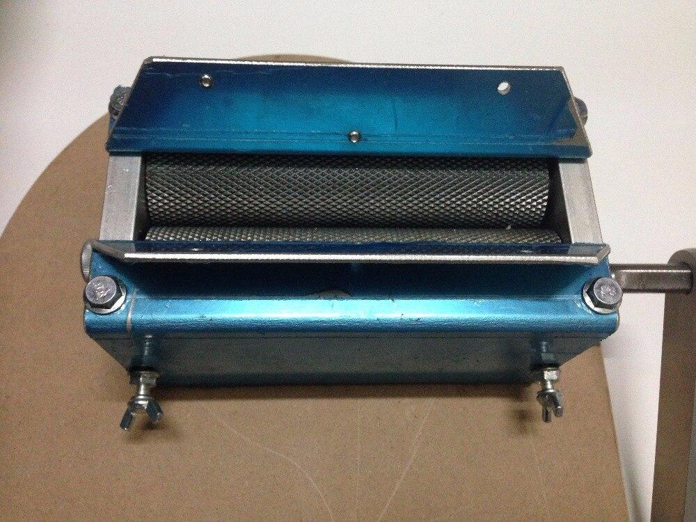 Korenmolen 3 Roller mout molen, Homebrew Apparatuur, met hopper & crank handvat Nieuwe-in Overige Bar accessoires van Huis & Tuin op  Groep 3