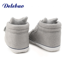 Delebao Unique Newborn Baby Grey Fox Shoes First Walkers Newborn Hook & Loop Infant Toddler Shoes