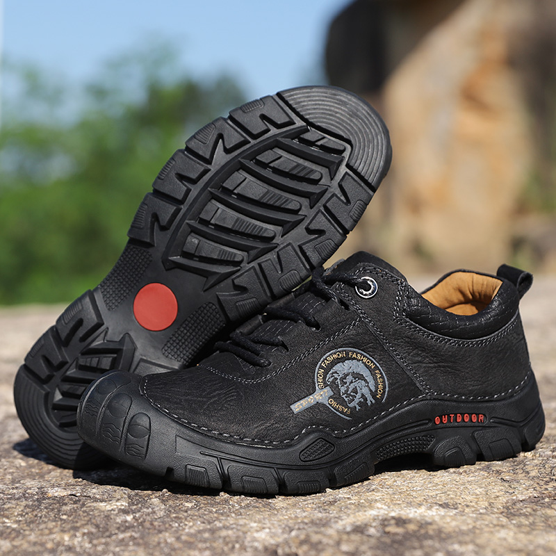 Men Sneakers Man Hiking Shoes Thick Bottom Lace up Non slip Sports Shoes High Quality Outdoor