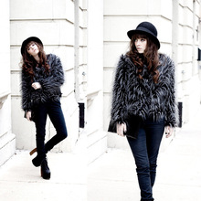 The new version of cool autumn and winter light street fashion faux fur jacket winter ostrich
