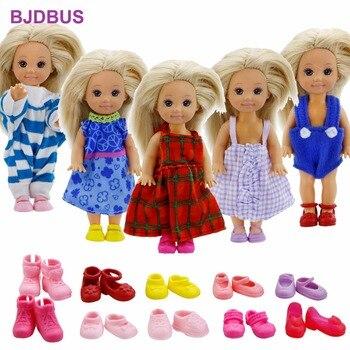 3c38ada508cc5 Rastgele 10 adet/grup = 5x Karışık Tarzı Kıyafetler Sevimli Elbise + 5x  Renkli Ayakkabı barbie bebek Için Giysi Kardeş Kelly Aksesuarları oyuncak