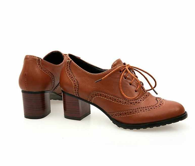47d080e0e0c ... 2018 British Retro Carving Pointed Toe Oxford Shoes For Women Casual  Thick Medium Heel Leather Shoes ...