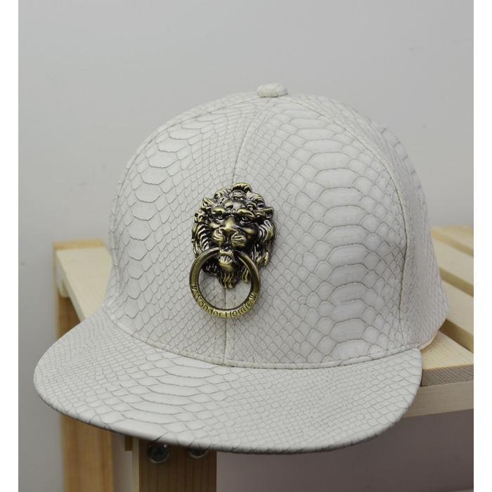 99d1d43aeb6e4 Super Cool Trend Metal Lion Kings Hip Hop Original Cap chapeus chapeu  gorros feminino masculino bone bones aba reta H140