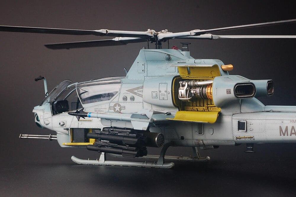 KH80125 1//48 AH-1Z Viper V2 Helicopter Model