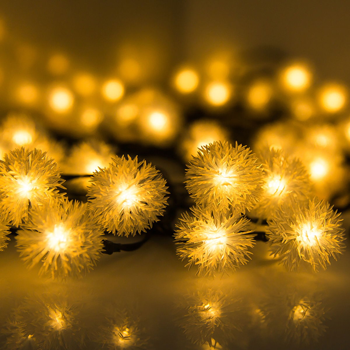 30LED Solar Lamp Christmas Snow Flakes LED String Lights Winter Snowball Garlands Outdoor Light Waterproof Party Decor Lightings