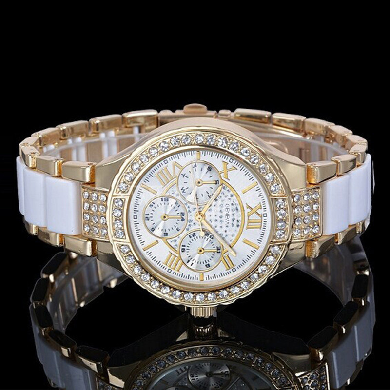 Fashion Women Bracelet Watches Roman Numerals Rhinestone Alloy Analog Quartz Dress Wrist Watch Watches Clock Relogio