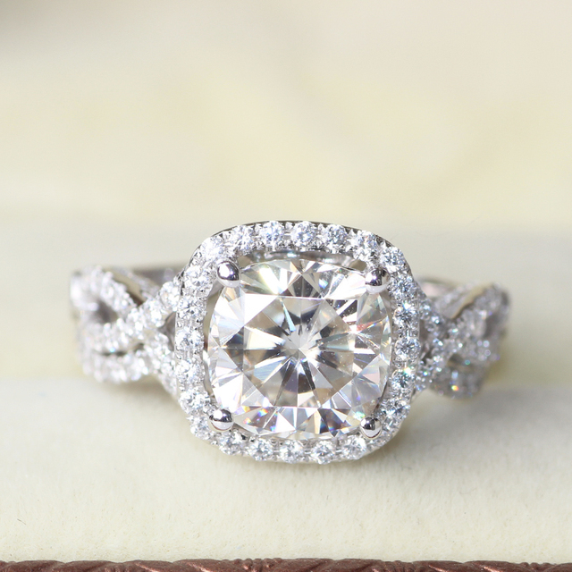3 Carat Cushion Cut Halo Wedding Engagement Wedding Lab Grown Moissanite Diam