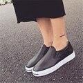 2017 Nuevos zapatos de las mujeres de Moda Suelta Pu Zapatos Mocasines Blancos zapatos Casuales de Fondo, blanco Negro Zapatos del Resorte de Las Mujeres. DFGD-6677