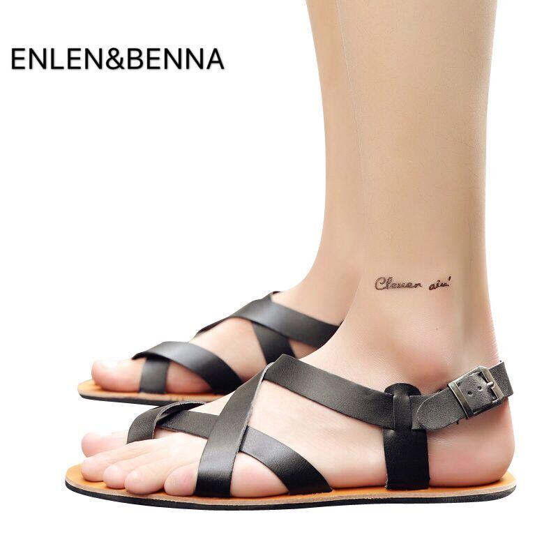 2018 Summer Men Sandals Leather Vintage Flat Heel Solid Buckle Beach Gladiator Sandals Shoes Breathable Men Flip Flops Sandals