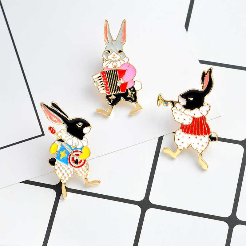 9 セット漫画アミナールエナメルピン奇妙な猫かわいい馬 Play ウサギ女性のための口紅リッププリントラペルピンバッジジュエリー