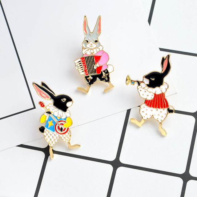 9 sets Cartoon Aminal Enamel Pins Weird cat Cute horse Play Rabbit Brooches for women Lipstick Lip print lapel pin badge Jewelry 2