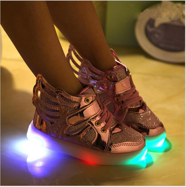 Children shoes with light 2018 New Children Lighted Shoes Boy Girl LED Flashing boots Shoes Kids Sneakers With Wings Shining