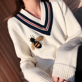 High Quality Autumn Winter  Bees Knitting V-neck  Long Sleeve Pullover Female Ladies' Sweaters Embroidery Cartoon Honeybee Femme 1