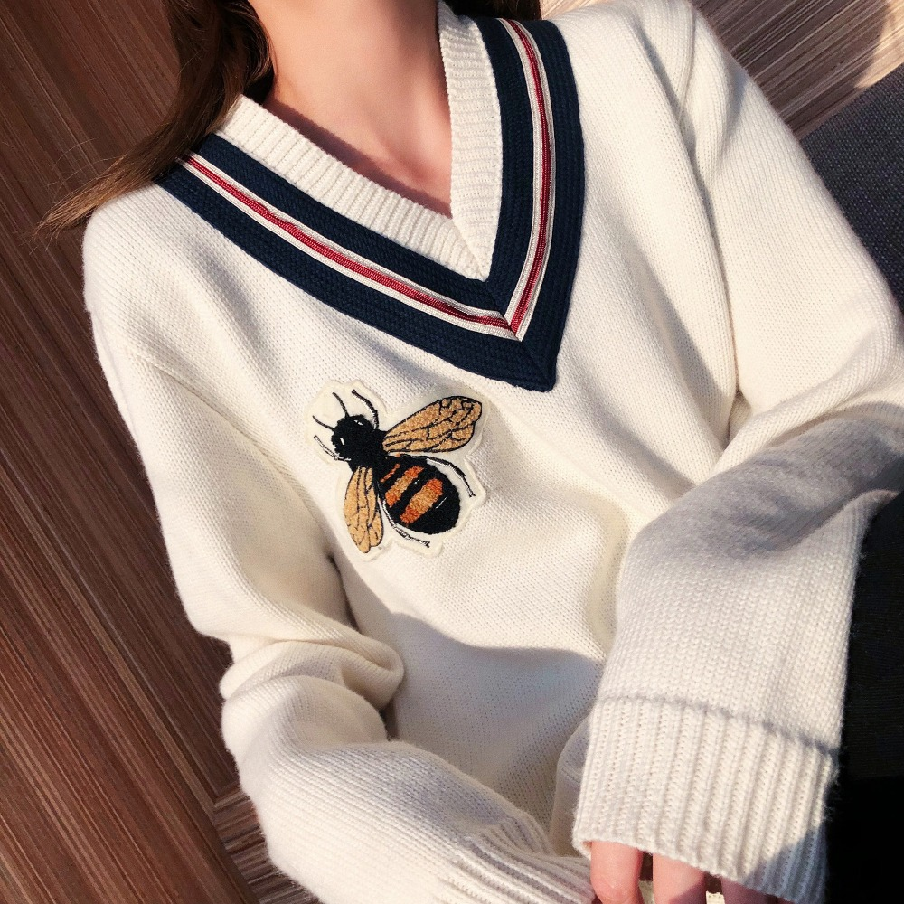 High Quality Autumn Winter  Bees Knitting V-neck  Long Sleeve Pullover Female Ladies' Sweaters Embroidery Cartoon Honeybee Femme