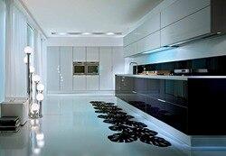 Современный кухонный шкаф под заказ с высоким блеском